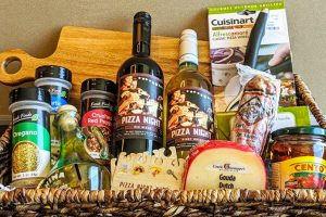 Great Holiday Gift Basket Ideas​